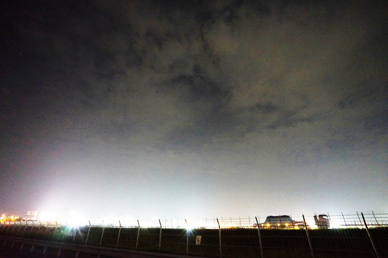 深夜の福岡空港(浮気調査の帰りに)